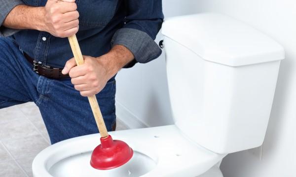 Comment déboucher un sanibroyeur par soi-même ?